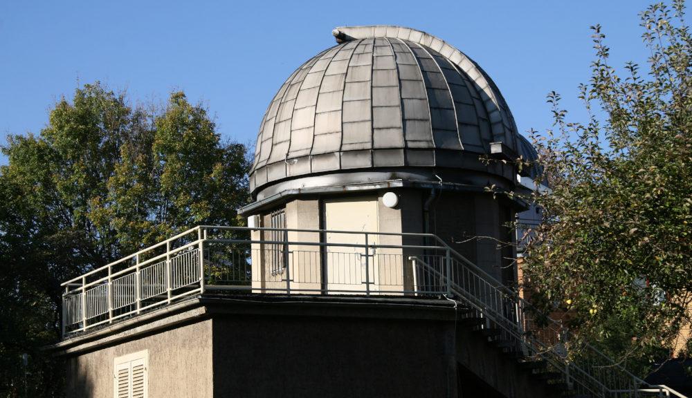 Das Hauptgebäude der Urania Sternwarte in Jena